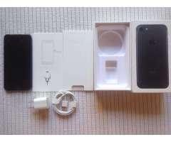 iPhone 7 BLACK MATE / NEGRO MATE 32GB para TIGO 10 de 10 aun con plasticos