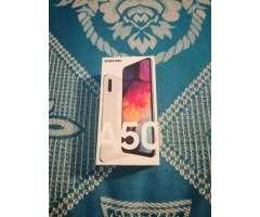 Vendo Samsung A50 (ojo Version 6/128)