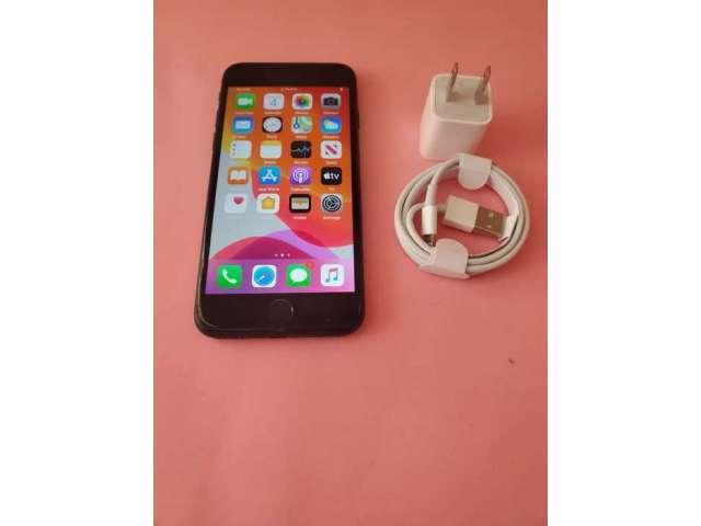 Iphone 7 color negro 32GB 99% de batería